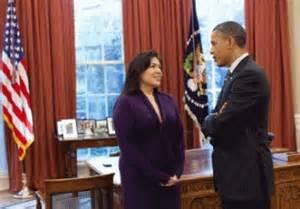 Kimberly Teehee với Tổng Thống Obama