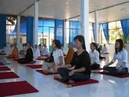 Tập Tọa Thiền tại chùa