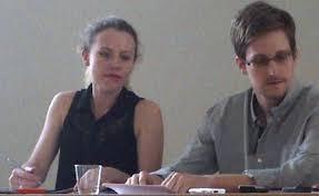 Snowden và cô Harrison