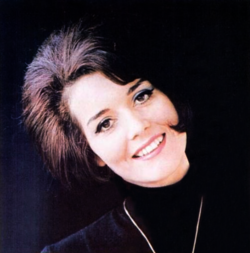 Ca sĩ Jolie Rogers