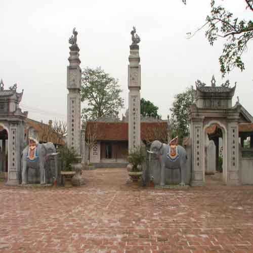 Đền quan Trạng tại làng Dương A